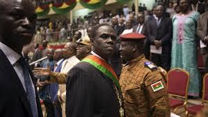 Burkina Faso : accord de sortie de crise, le président Kafando rétabli dans ses fonctions