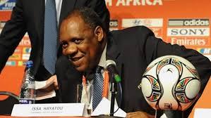 Football : Issa Hayatou dans ses habits de président intérimaire de la FIFA ce  mercredi 14 octobre 2015 !
