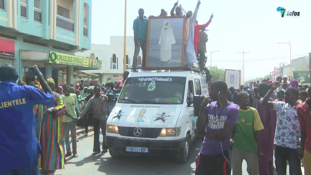 Marche improvisée : Touba exprime sa colère et son amertume suite à la caricature de Serigne Touba par le site de Jeune Afrique