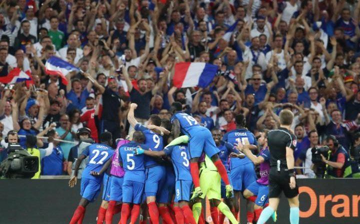 Football : La France en finale de son