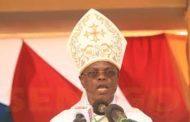 Religion : Pélerinage marial de Popenguine 2017, Monseigneur Jean-Pierre Bassène l'évêque de Kolda prêche pour une campagne électorale apaisée lors des prochaines législatives