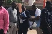 Médias : L'ancien président John Mahama a violemment savonné  le gouvernement ghanéen après la fermeture de certaines stations de radio dans le pays