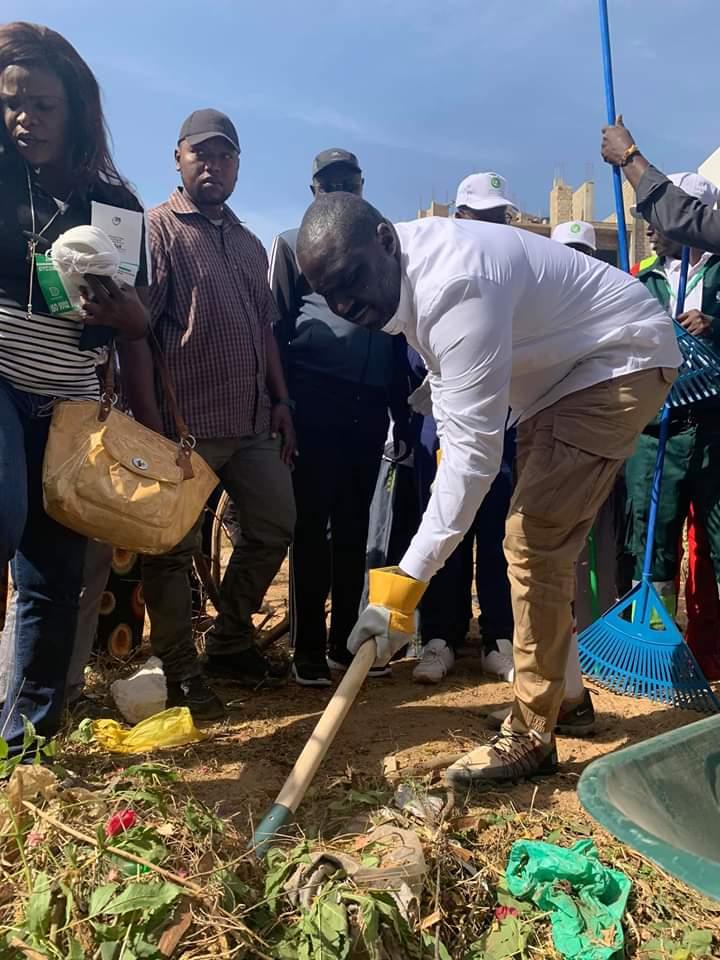 Les efforts du Ministre AbdouKarim Fofana salués par des Applaudissements