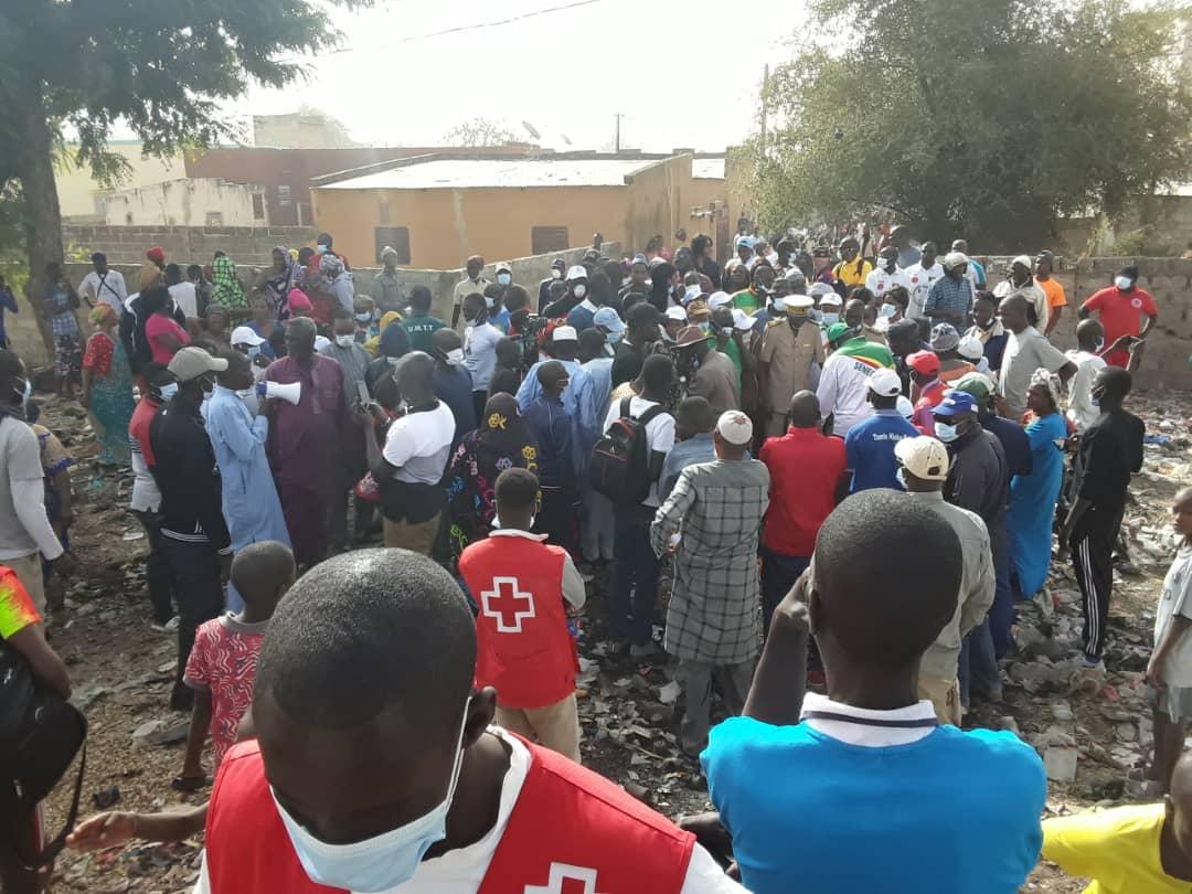 «Cleaning Day» : El Hadji Diamé Dansokho a mobilisé Dialacoto pour répondre à l'appel du Président Macky…