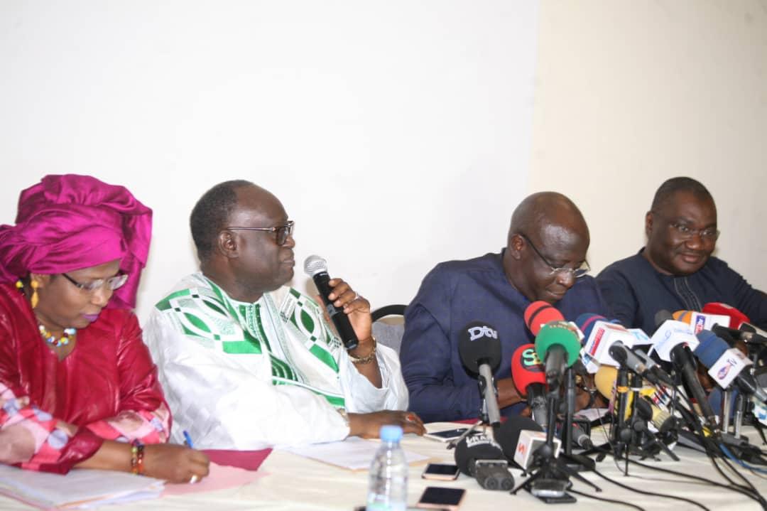 Face à la presse, les avocats de Cheikh Oumar Anne